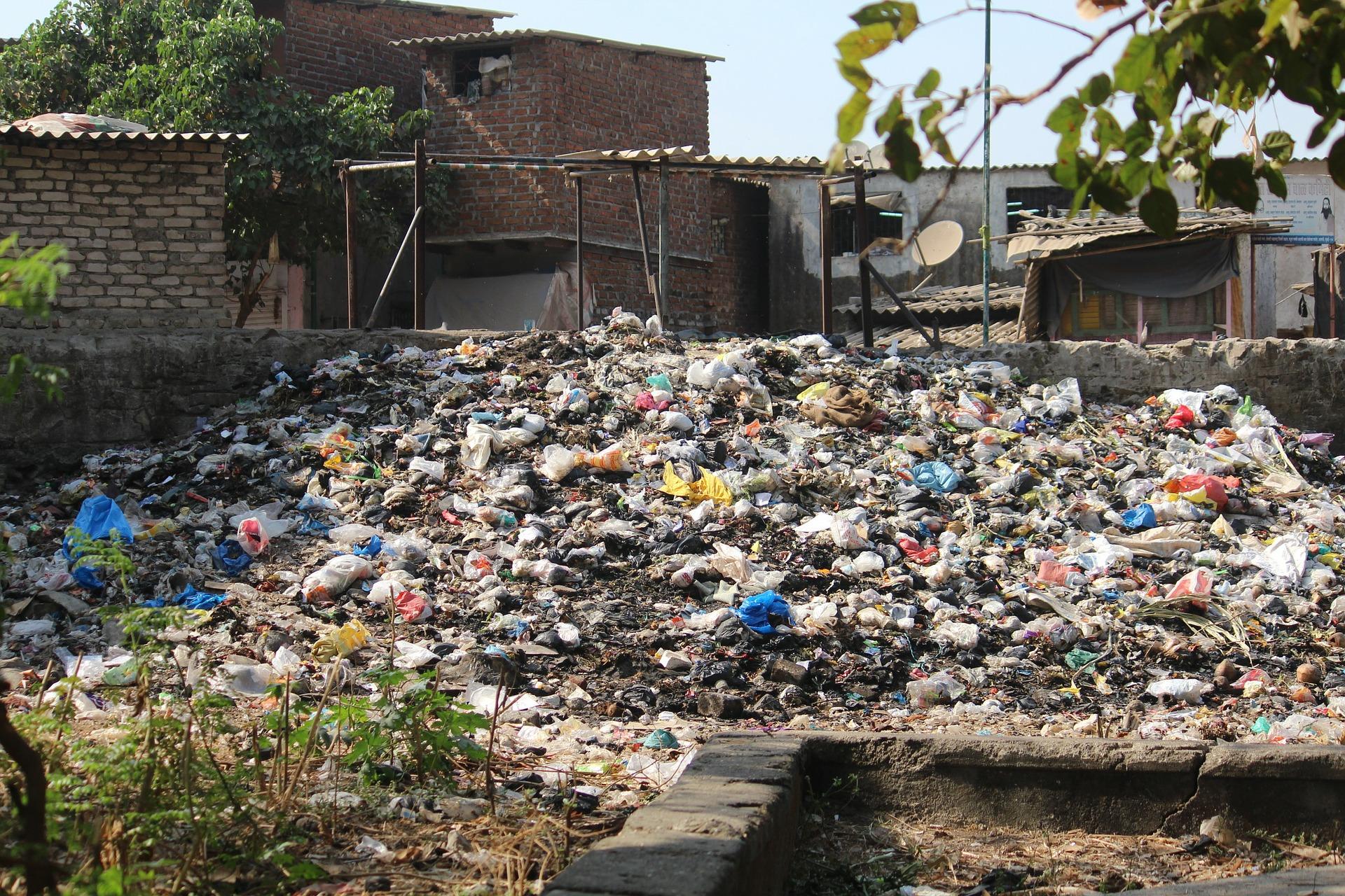 I paesi asiatici ci restituiscono i nostri rifiuti